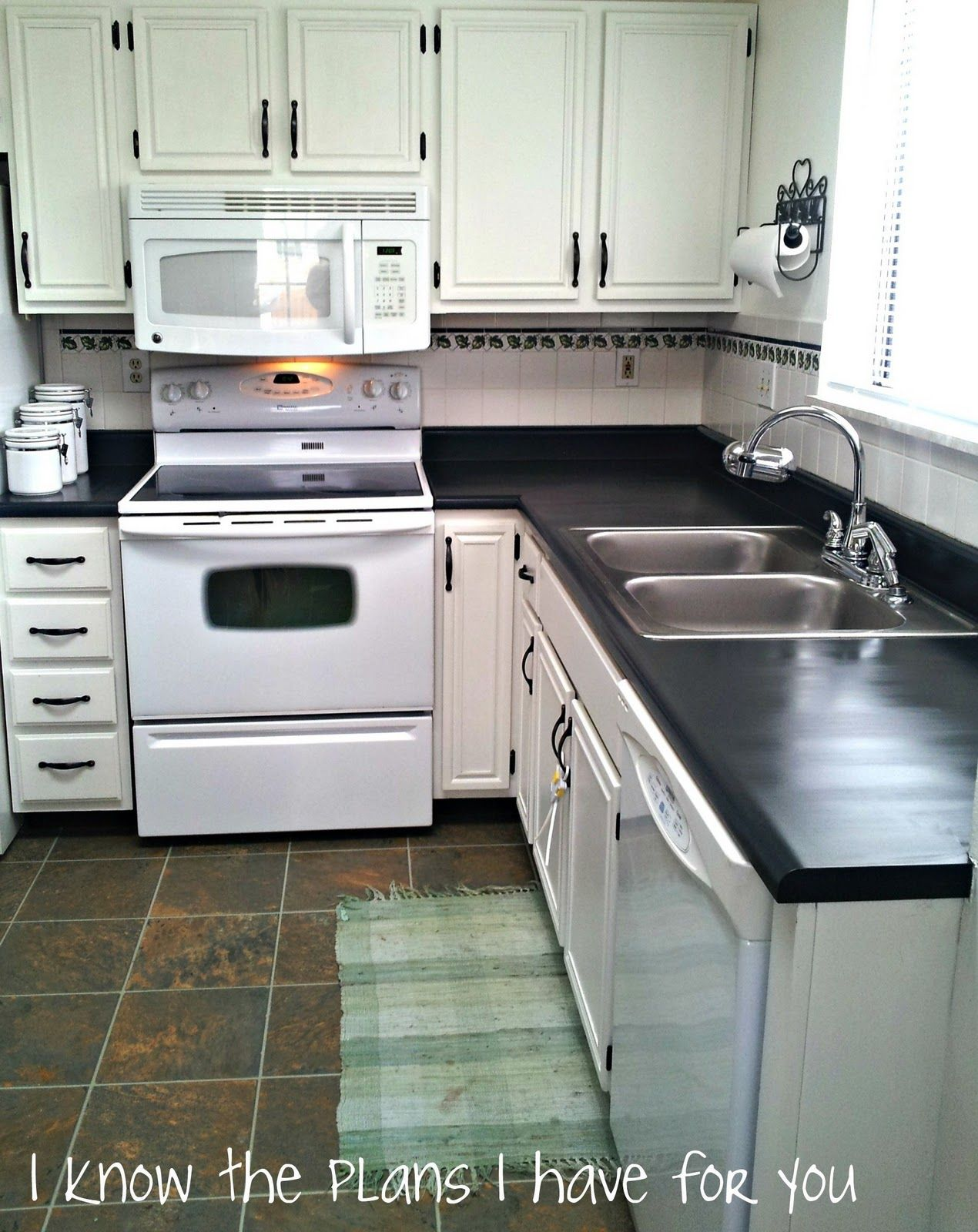 5 Mistakes People Make when Painting Countertops - Painted Furniture Ideas #furnitureredos