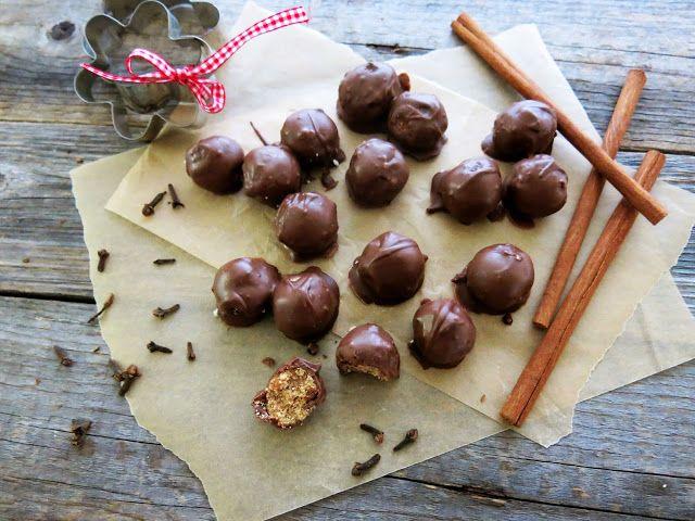 Antipastaa: Piparkakkutaikinalla täytetyt suklaakonvehdit (munaton, maidoton, viljaton, gluteeniton, vhh, vähäsokerinen, paleo, vegaaninen)