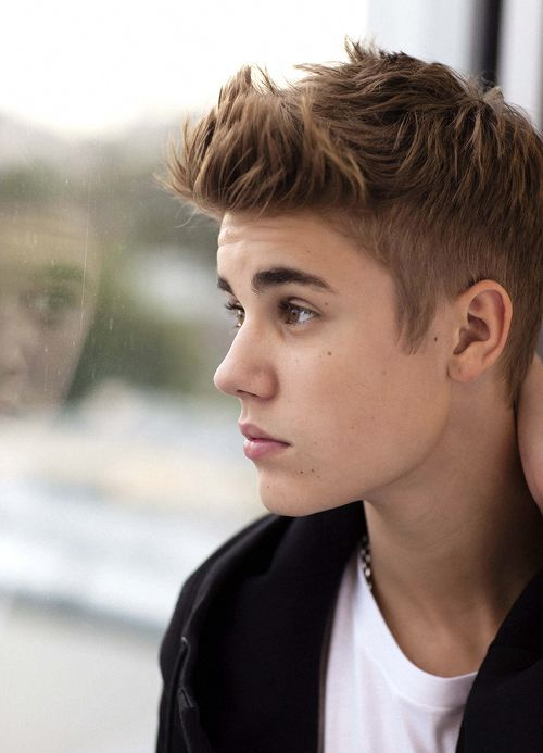 15 Justin Bieber Frisuren Zu Kopieren Männer Frisuren Pinterest