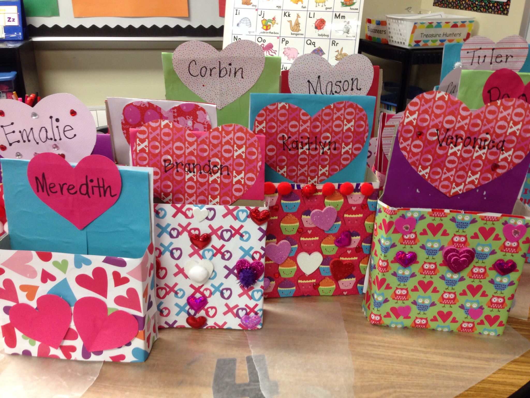Valentine card holders made from empty cereal boxes – Cereal Box Valentine Card Holder