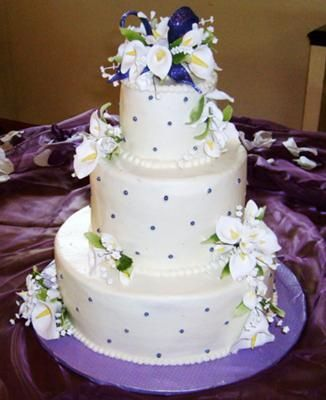 Calla Lily Wedding Cake 3 Rounds Stacked The Calla Lillies Are - Wedding Cake With Lilies