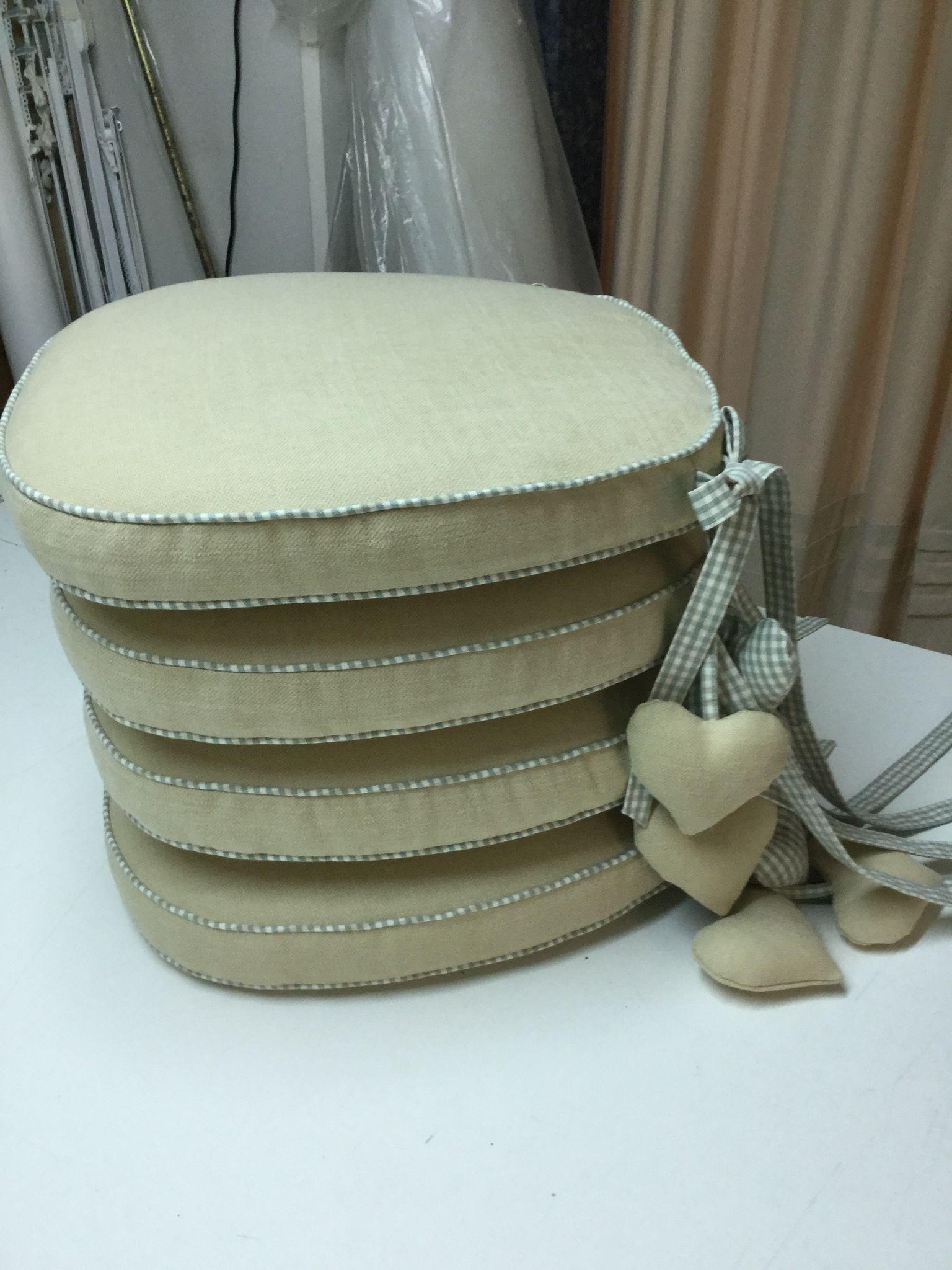 Cuscini per sedia con rifiniture in cotone quadretto vichy for Cuscini per sedie stile shabby