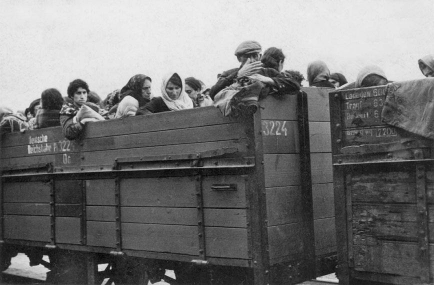 Jew Detector: Even In The Dead Of Winter, Jews Were Packed Into Open