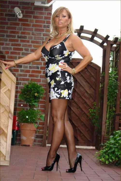 Quisiera mature women in heels and pantyhose perfect