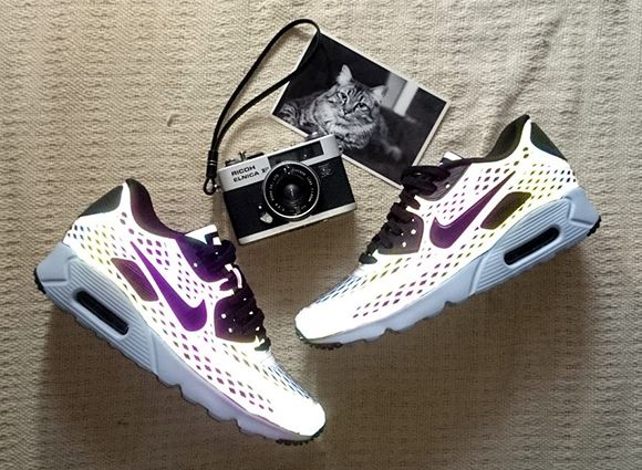 Nike Air Max 90 Ultra Moire Holographic Detailed Look 4