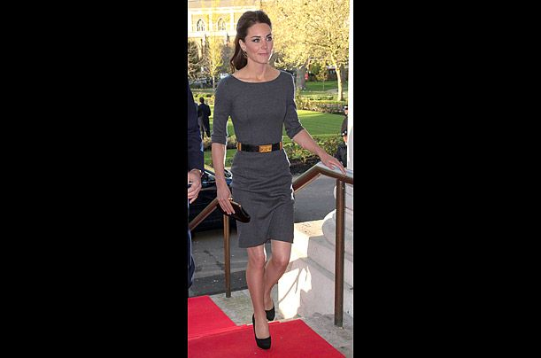 #Kate wore an Amanda Wakeley shift, accessorized with an Alexander McQueen belt, to a reception at the Imperial War Museum in London on April 26, 2012.