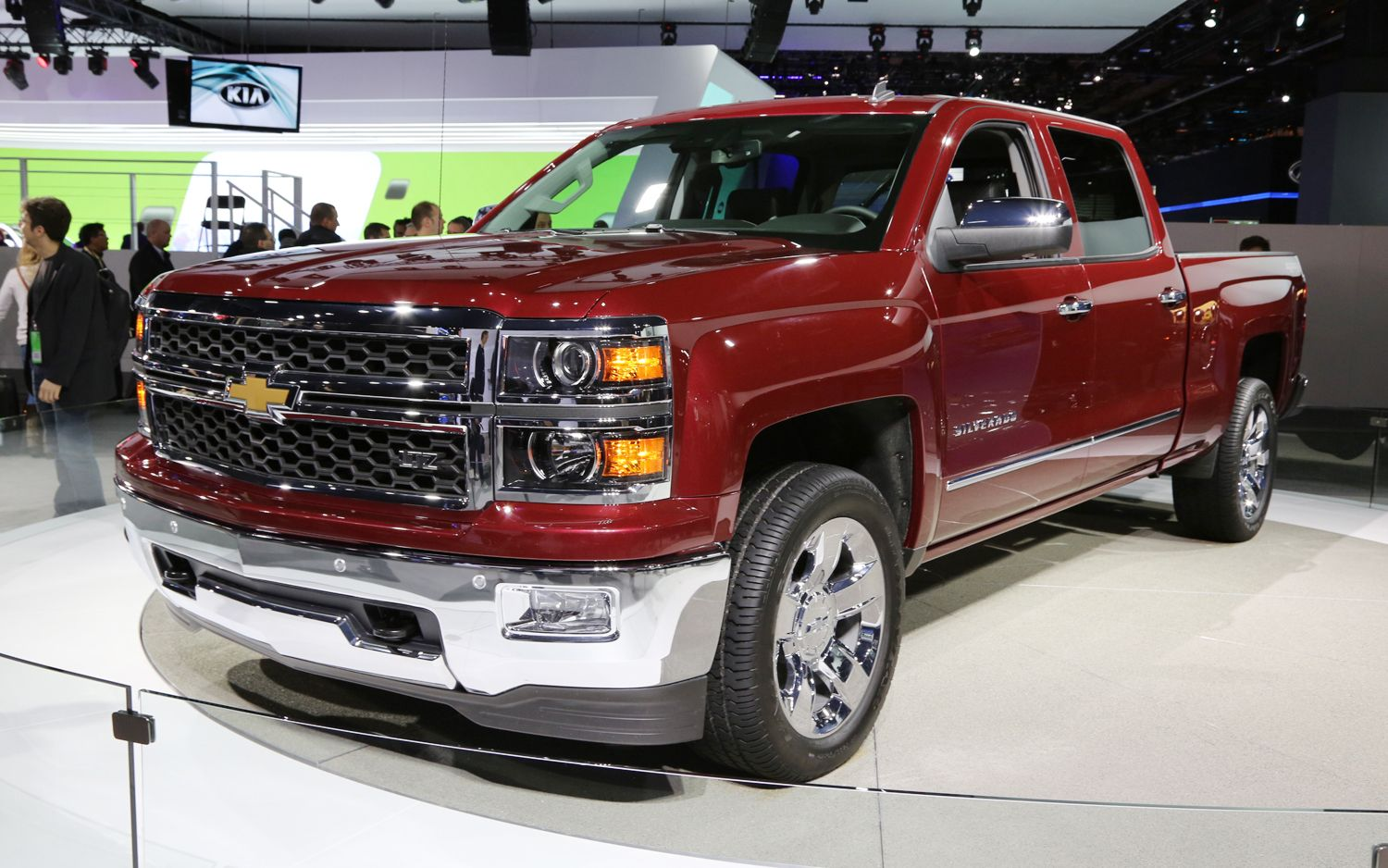 2014 chevrolet silverado and gmc sierra first look motor trend