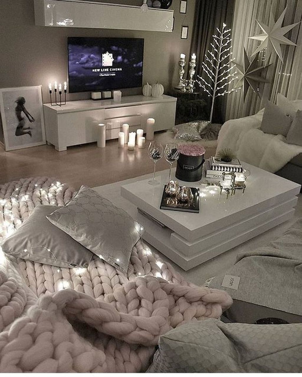 Stunning winter living room decor ideas you should try also home rh pinterest