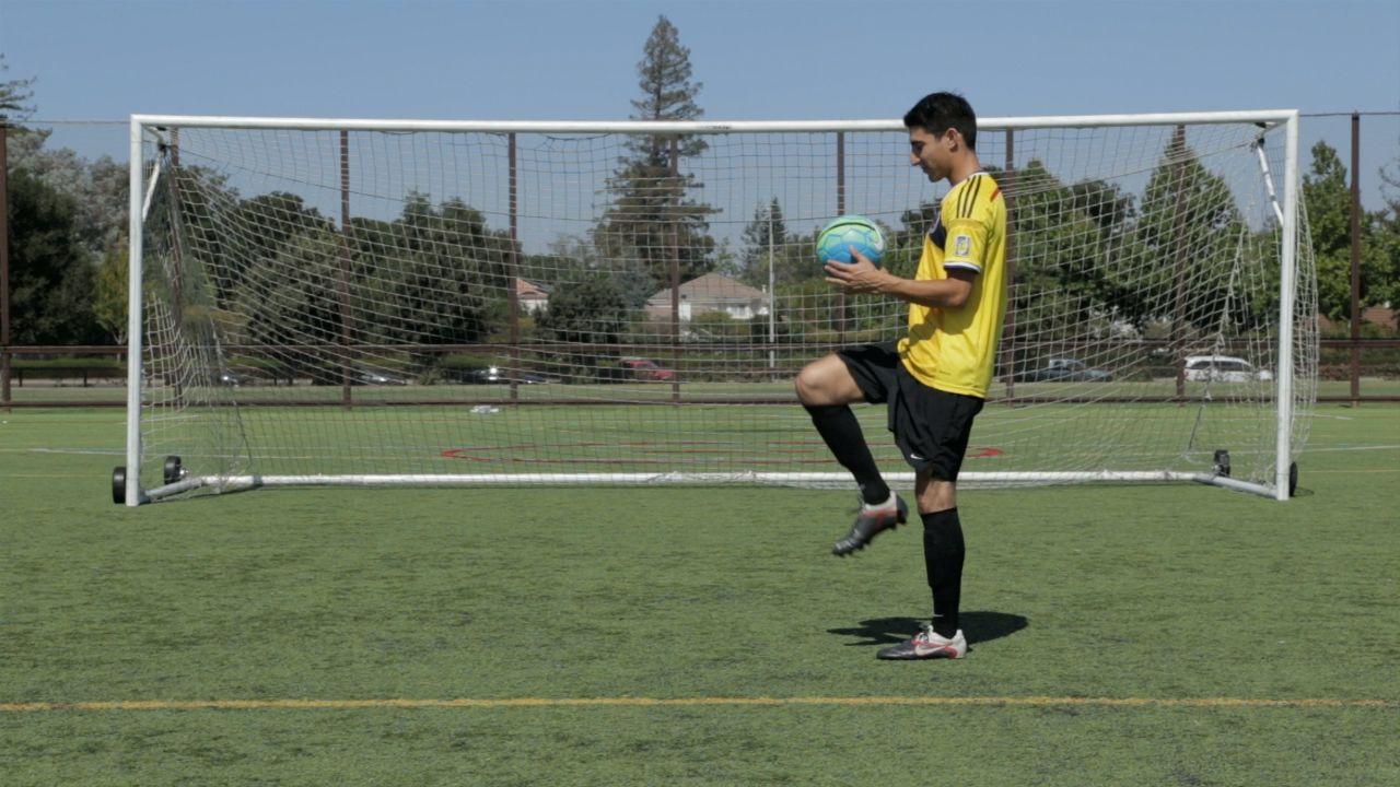 Een bal hooghouden soccer soccer ball how to juggle