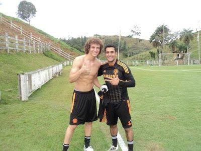 Oh my! David Luiz shirtless