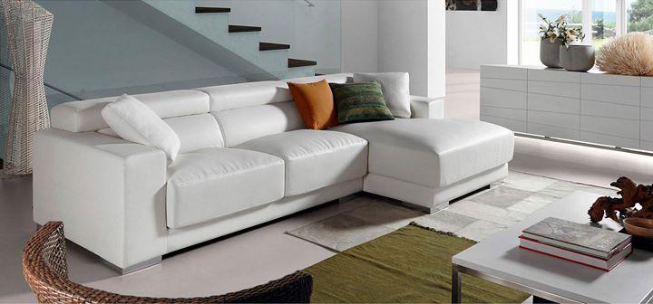 #Sofá   Buscas un sofá chaise longue original de primera calidad y que además esté fabricado en España? No lo dudes ven y visita nuestra tienda.