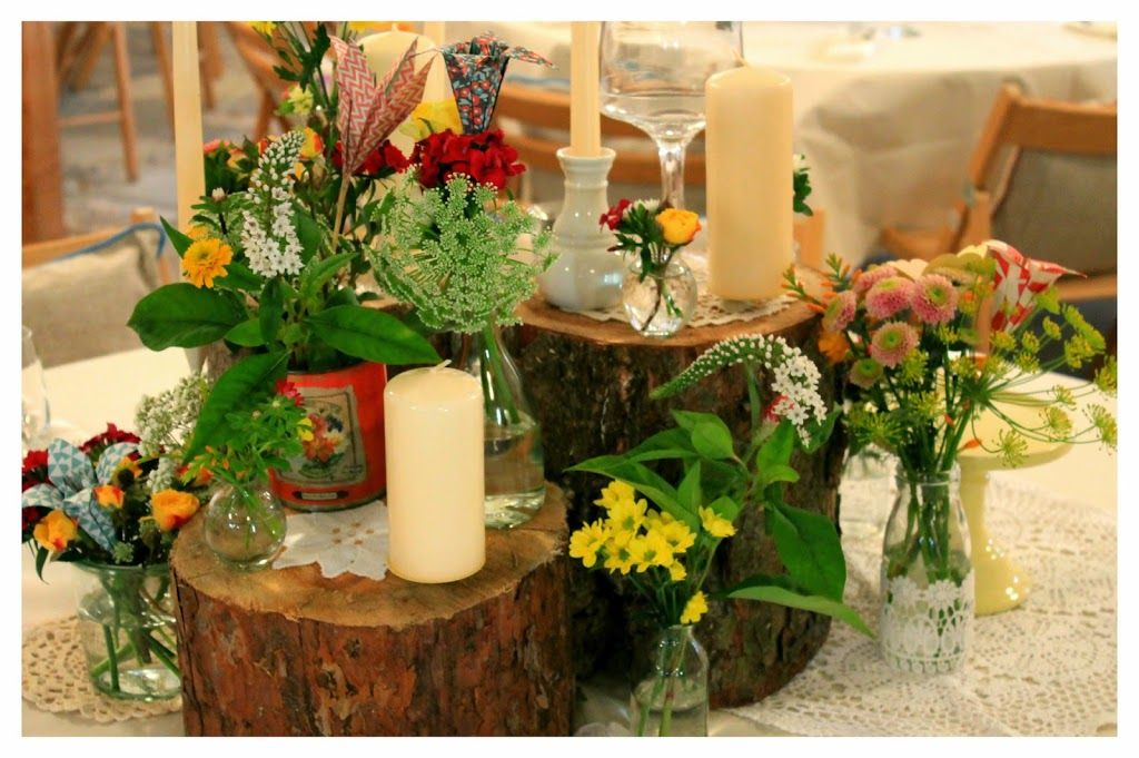 diy vintage hochzeit hochzeitsdeko mit holz und papier selfmade tischdeko kerzen blumen. Black Bedroom Furniture Sets. Home Design Ideas