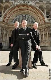 Resultado de imagen para sacerdotes catolicos