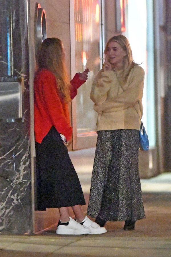 39a846360cf44f Get The Olsen Twins  Latest Skirt And Sweater Combo For Fall (Olsens ...