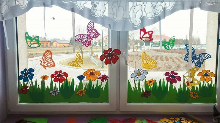 Kwiaty Wiosenne Dfe Jpg Window Decor Diy Diy Classroom Decorations Classroom Decor