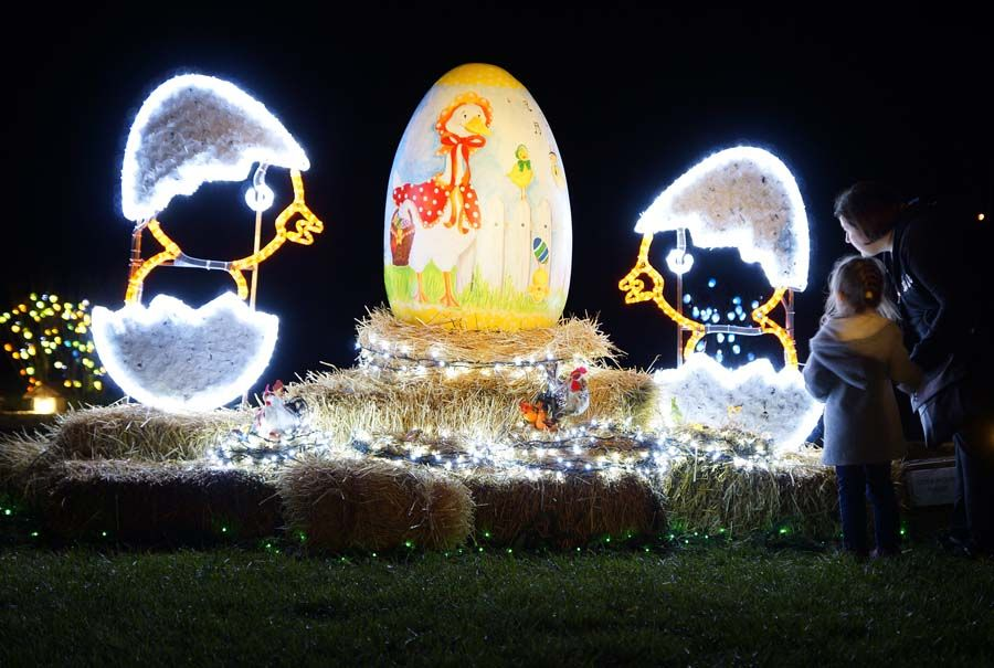 The Salaj Family In The Village Of Grabovnica Near Cazma East Of Zagreb Are Famous For T Christmas Light Installation Christmas Lights Christmas Decorations