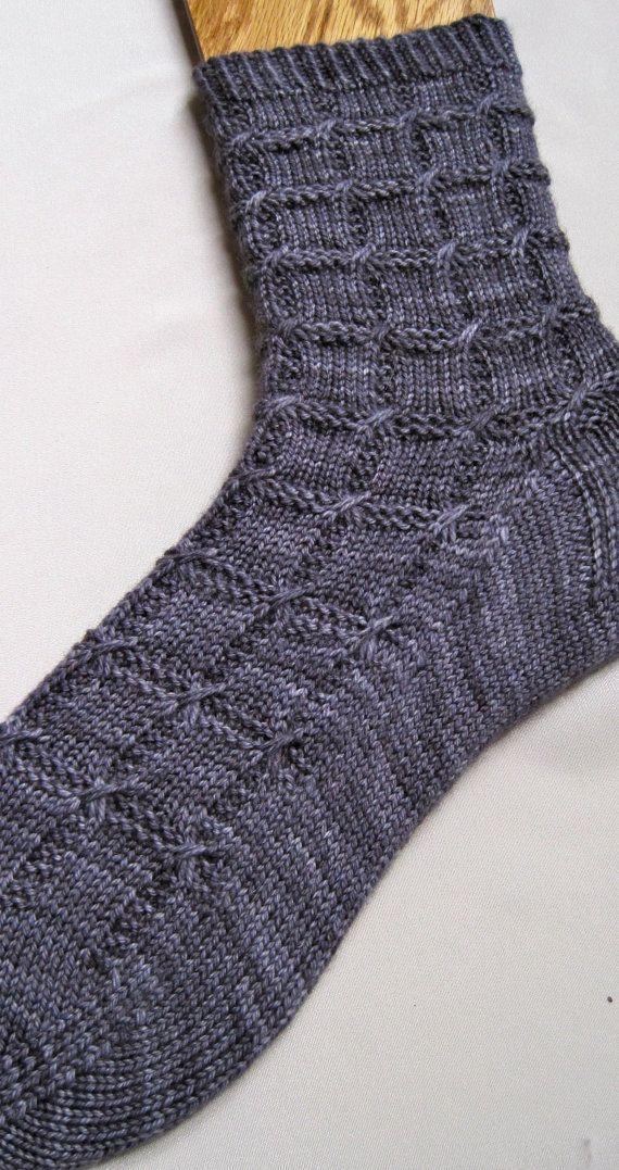 Photo of Gestricktes Sockenmuster: Rutschfestes Kabel von WearableArtEmporium – Knitting 2019 trend | ml