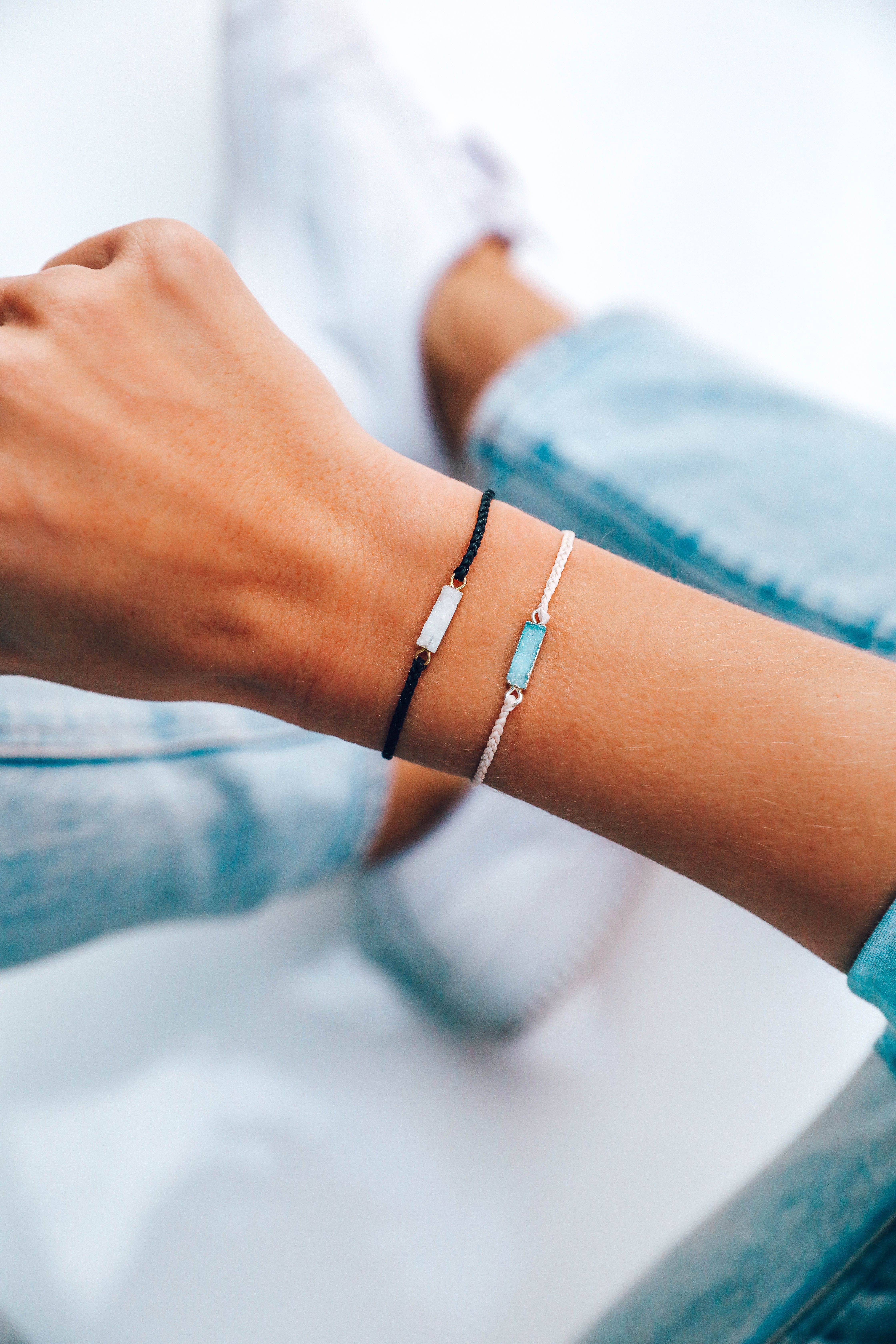 Add A Touch Of Elegance To Any Outfit With Our New Druzy Bracelet Featuring A Rectangular Druzy Charm And A In 2020 Summer Bracelets Pura Vida Bracelets Cute Jewelry