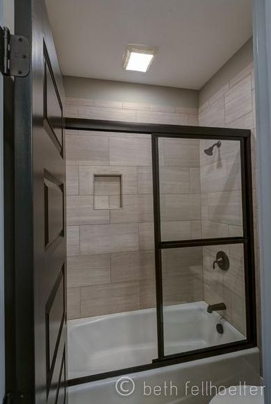 12 X 24 Tile On Bathtub Shower Surround Tile Bathroom Toilet Surround Bathtub Tile
