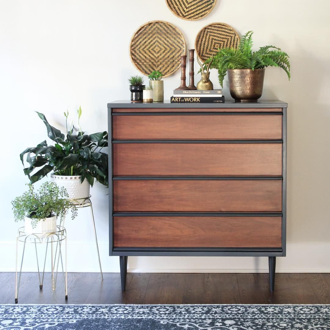 I Painted This Mid Century Modern Dresser With Annie Sloan Graphite Chalk Paint Mid Century Modern Furniture Mid Century Modern Dresser All Modern Furniture