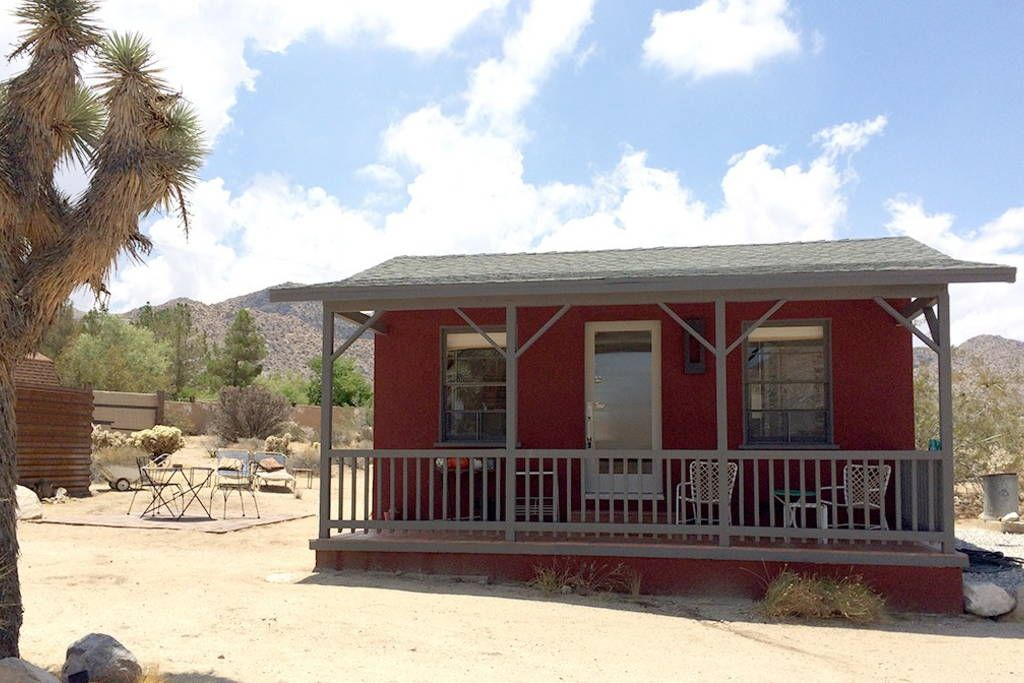 Cabin in Joshua Tree, United States. Your own personal cabin - Get $25 credit with Airbnb if you sign up with this link http://www.airbnb.com/c/groberts22