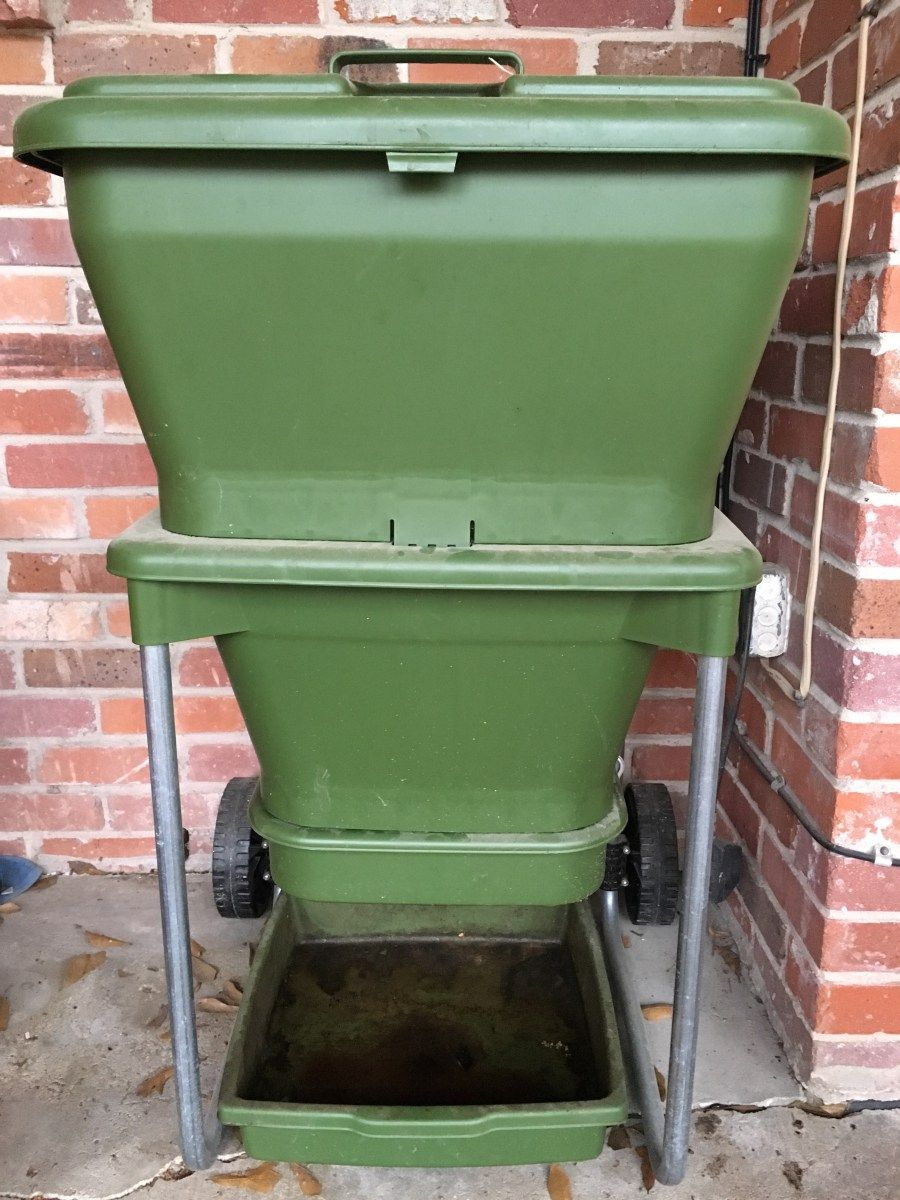"""""""Hungry Bin"""" Worm Bin Review Worm composting"""