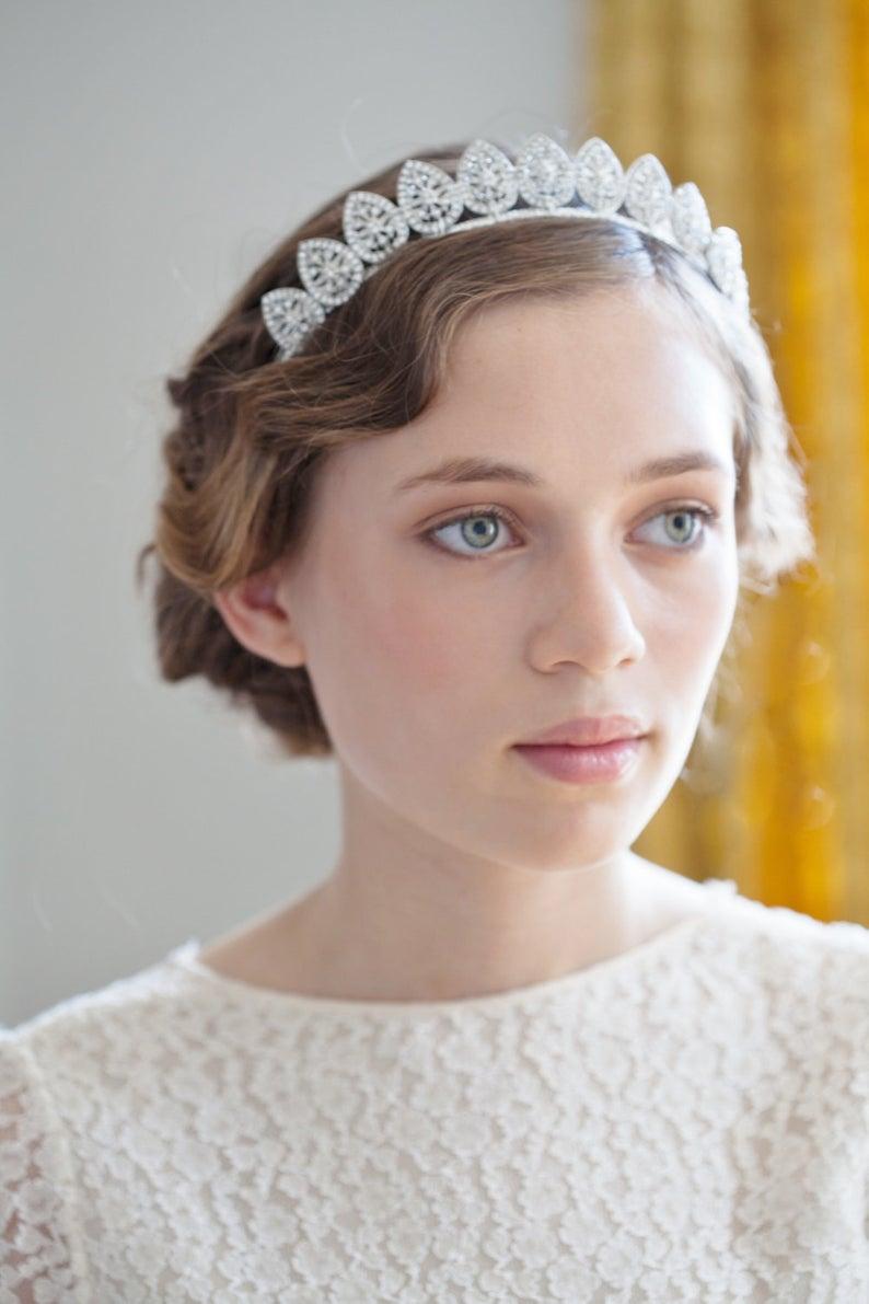 1930s Wedding Headpiece Antique Style Tiara Silver Crystal Etsy In 2020 Wedding Veil Vintage Wedding Headpiece Wedding Veils Headpieces