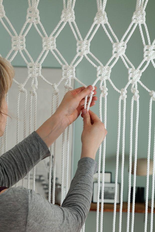 So basteln Sie einen Makramee-Vorhang | Makramee Vorhang, Vorhänge ...
