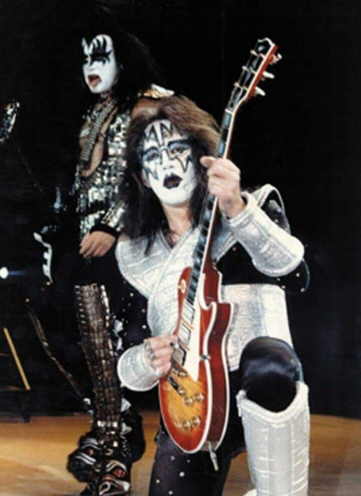 Pin By Robert Haskins On Curly Frehley Ace Frehley Halloween