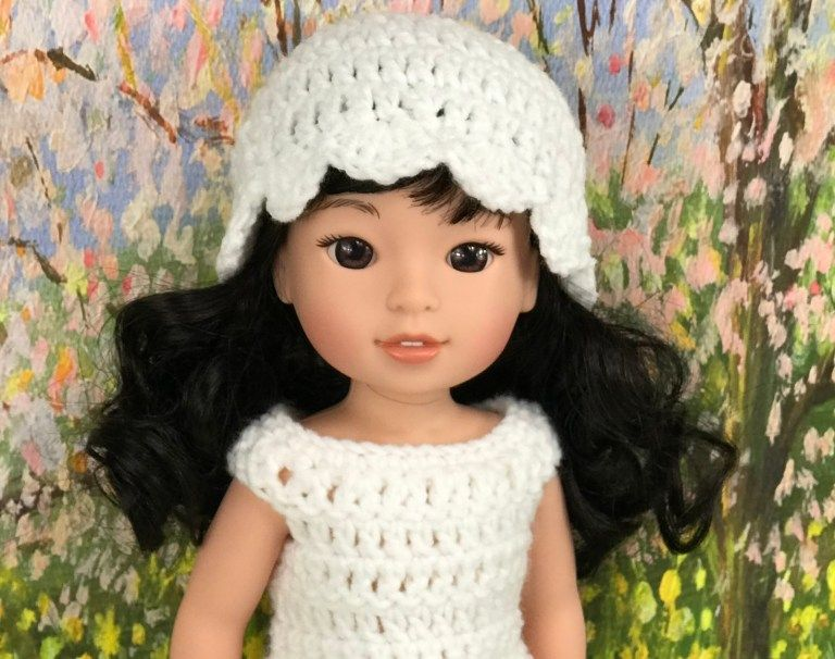 Free 14.5 Doll Hat Pattern - Adoring Doll Clothes doll hat pattern #dollhats
