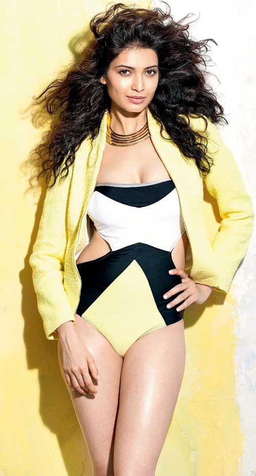 Karishma Tanna In Sexy Swimsuit Bollywood Fashion -4106