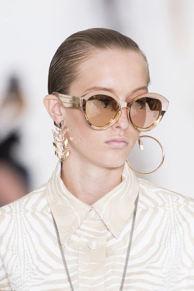 71e6dddc4ab87 Roberto Cavalli, Spring 2018 - Dazzling Hair and Beauty Details Straight  From the Milan Runways - Photos