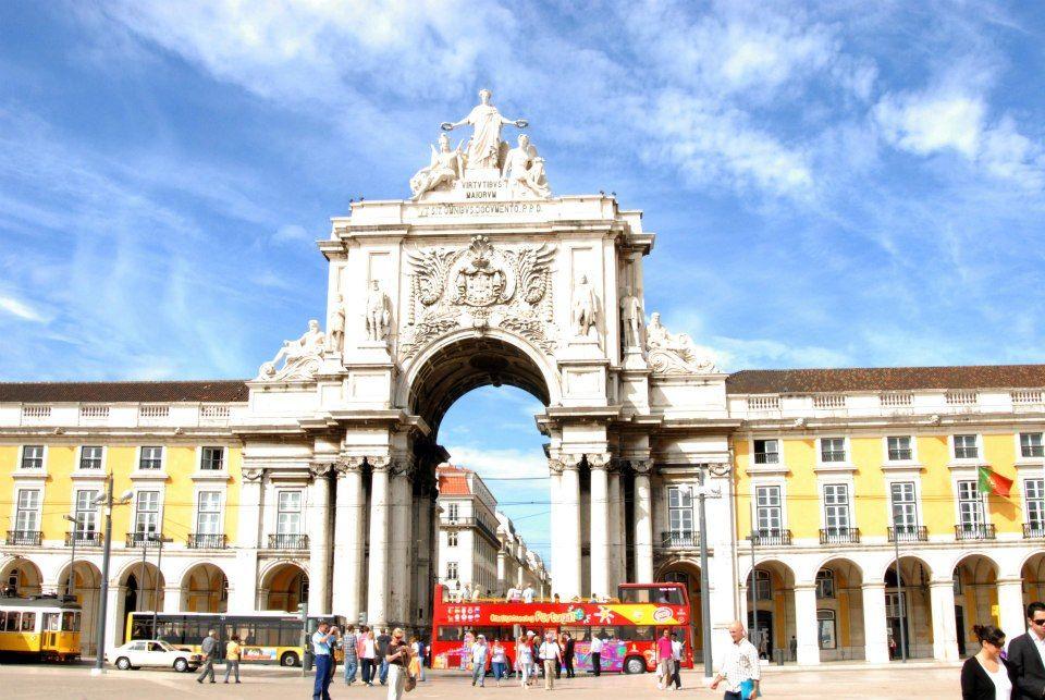 * Seek To Be Merry *: A sweet escape: Lisbon