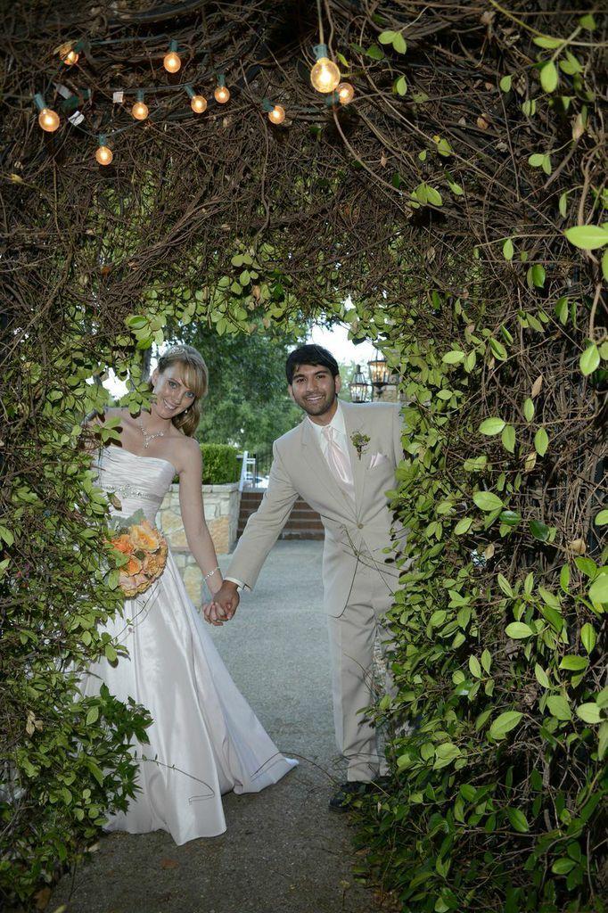 Venue Discounts at Spinelli's Wedding Venue in Comfort
