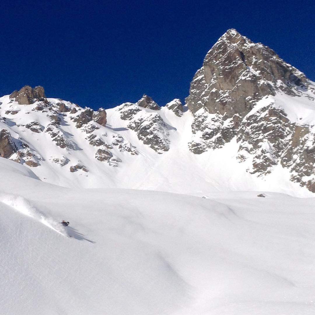 What a top #bluebird in #Chamonix today!? #lovechamonix #eyebrightadvchx #snow #travel #adventure by eyebrightadventures