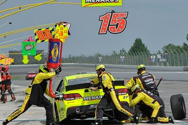 #27 team hard at work at Pocono