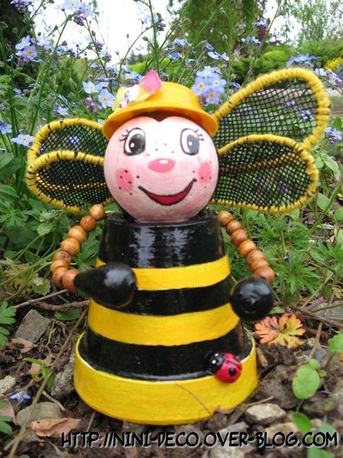 abeilles en pot de terre pot jardins pots pot jardin et abeille. Black Bedroom Furniture Sets. Home Design Ideas