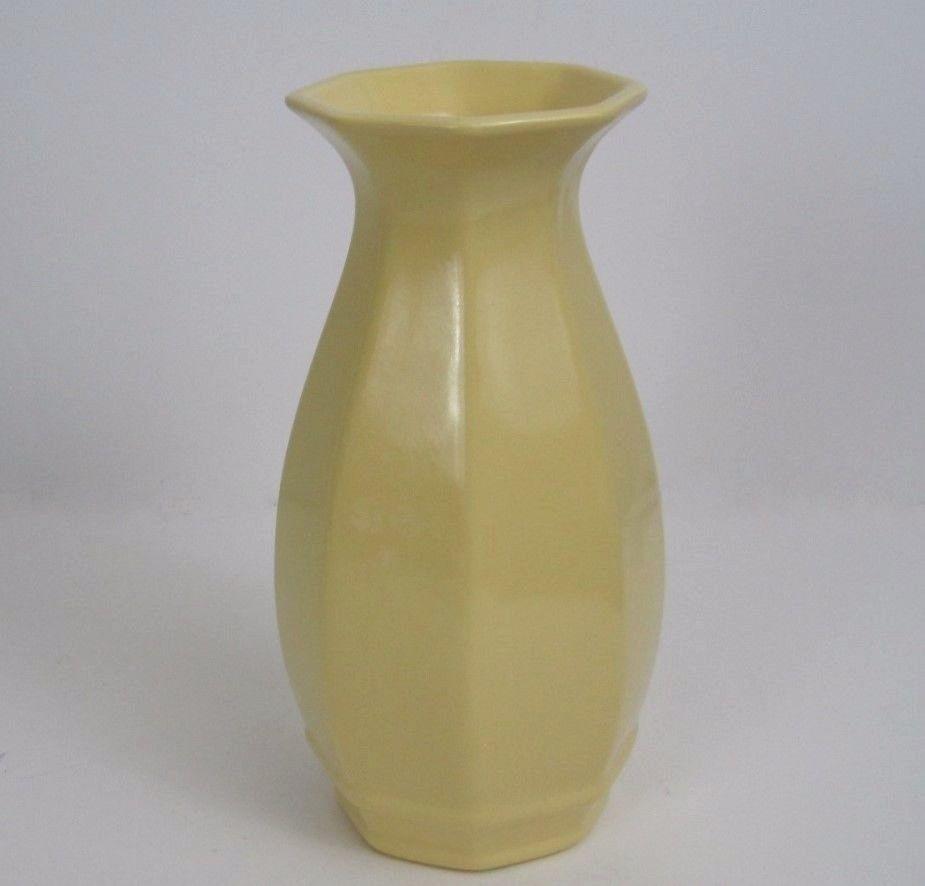 Royal Haeger Vase Art Deco Pale Yellow Octagonal Foil Label Dundee 8 Inch Tall Artdeco Royalhaeger Art Deco Vases Yellow Vase Vintage Vases