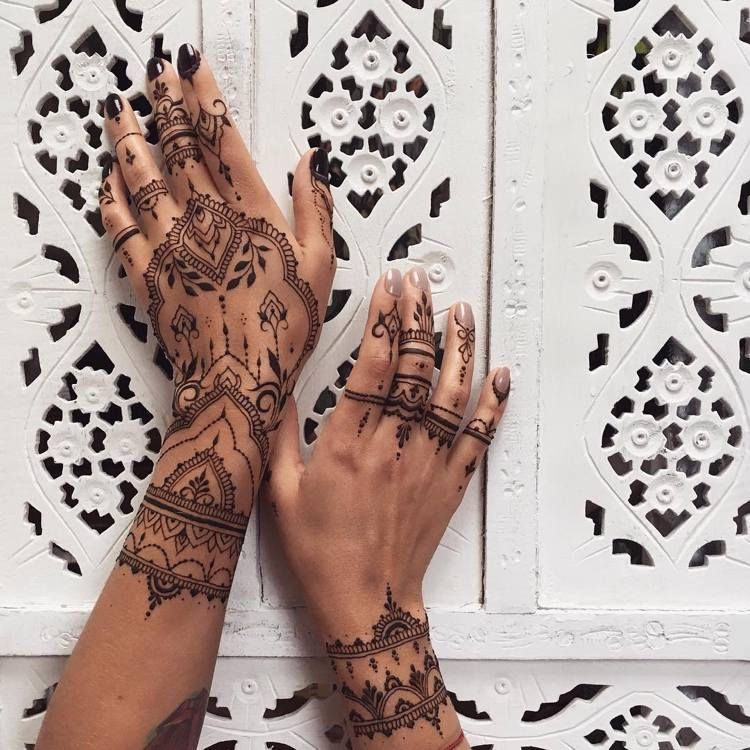 Henna Tattoo Selber Machen Kunstvoller Schmuck Für Hände Henna