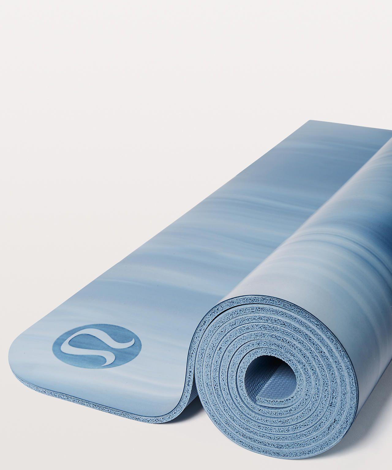 The Reversible Mat 5mm Women S Yoga Mats Lululemon Athletica Yoga Women Yoga Mat Lululemon Yoga Mat