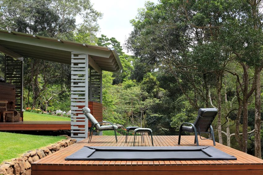The Timber Barbeque Decks Have A Built In Trampoline, And A Flying Fox Can  Whiz Kids (young And Old) Down The Hill To The River.