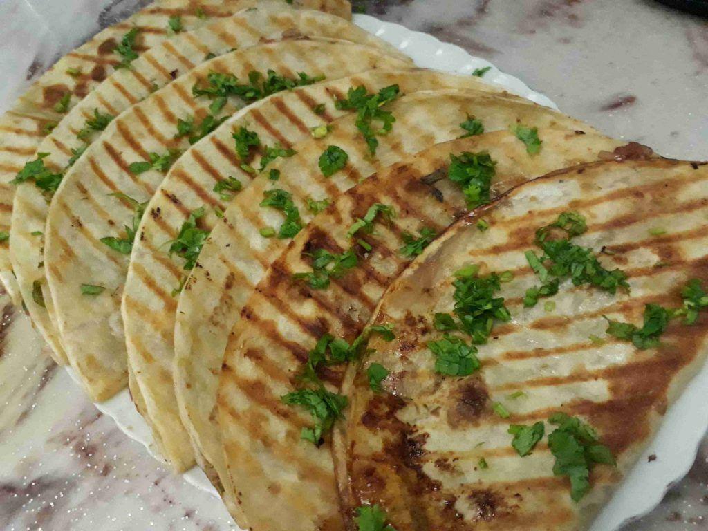 عرايس يمييييي ولا أروع ملكة أطباق فطور رمضان زاكي Food Arabic Food Bread