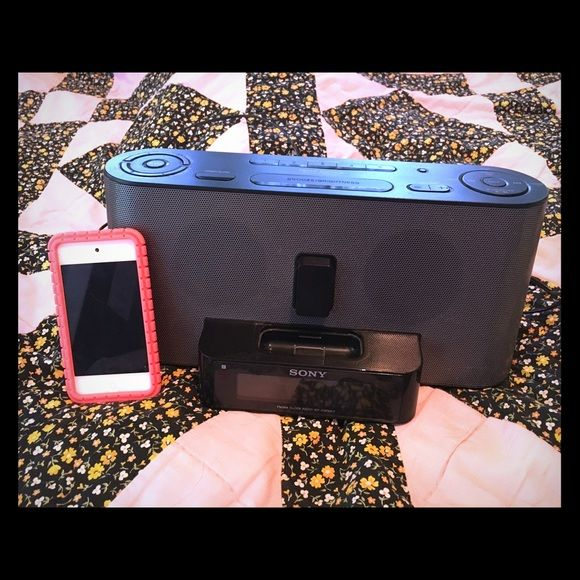 3rd Generation IPod Touch And Sony Home Speaker IPod Has