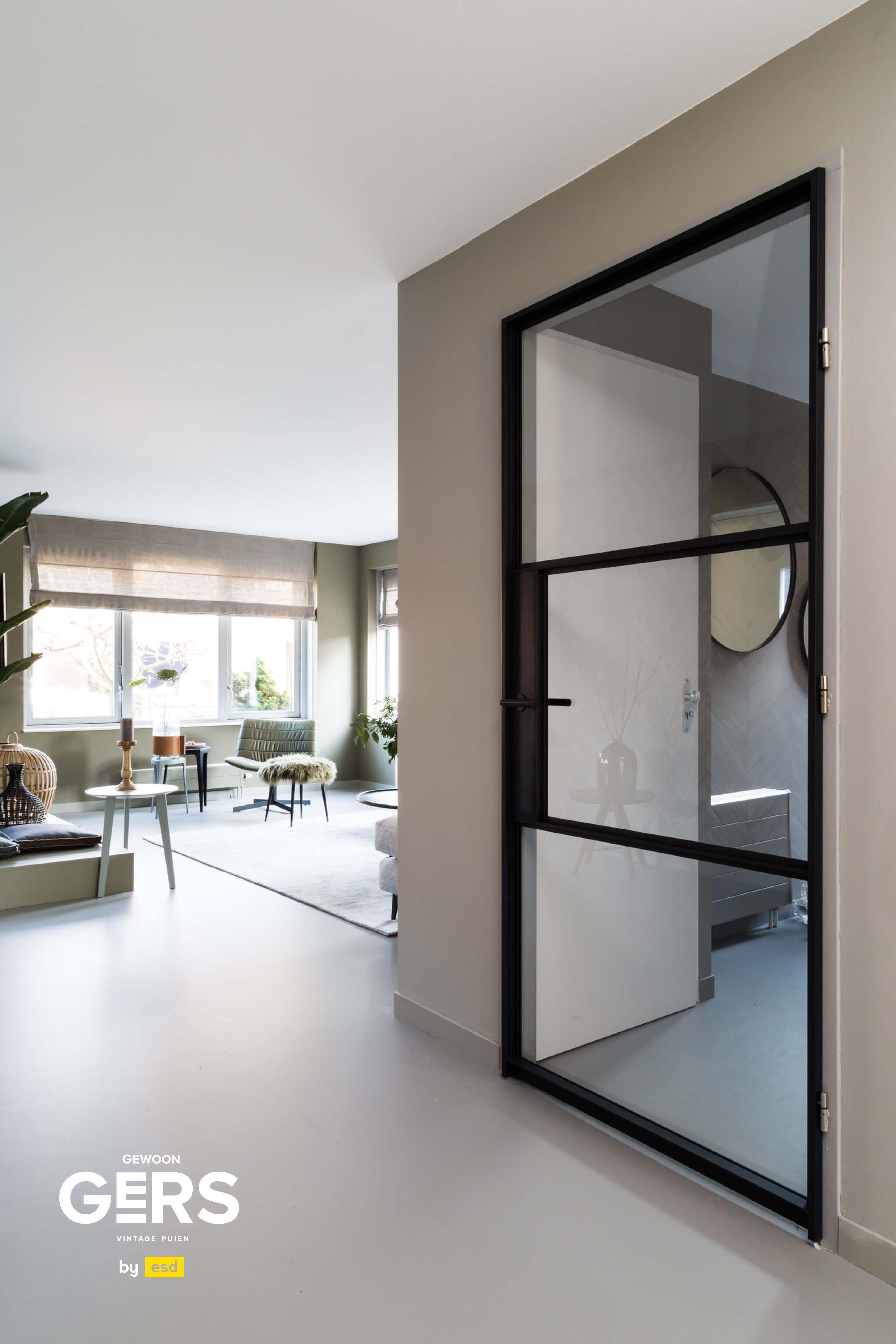 vtwonen project: GewoonGers deur tussen hal en woonkamer