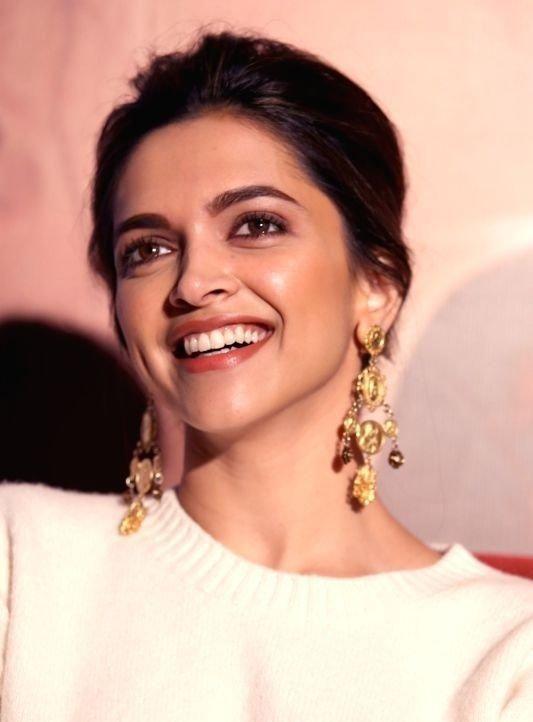 Ranbir Kapoor Has The Cutest Boxers Deepika Padukone Dipika Padukone Deepika Padukone Hot Beauty