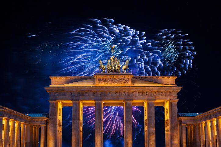Die Haben Ja Wohl N Knall Mitreisend Brandenburger Tor Verbluffend