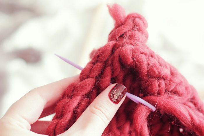 Un snood tout chunky easy avec We Are Knitters | Poulette Magique