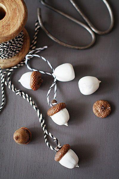 Herbst ist Bastelzeit - 15+ DIY Ideen für Herbstdeko basteln mit Eicheln #weihnachtsbastelnnaturmaterialien
