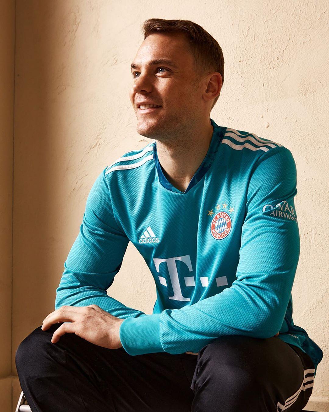 Manuel Neuer En Instagram Fcbayern Family Miasanmia Adidas De Long Sleeve Tshirt Men Mens Tops Mens Long Sleeve