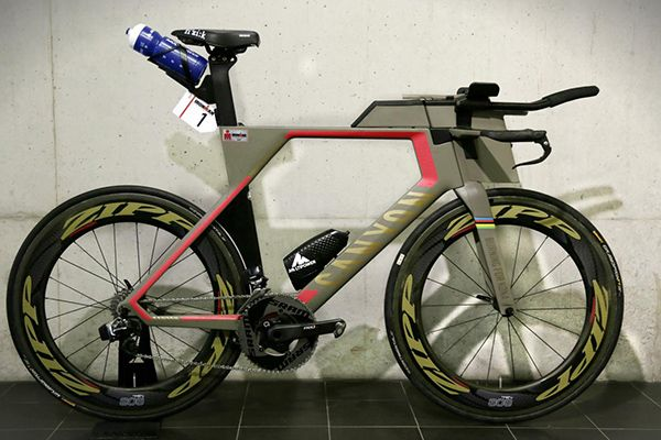 What S The Difference Between A Triathlon Bike And A Time Trial